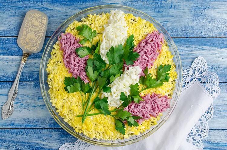 Салат «Веточка сирени» маню на 8 марта