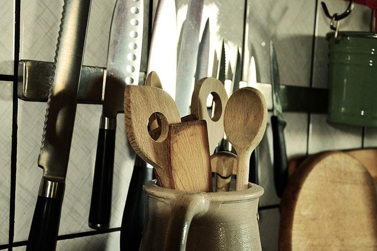 Удаления запаха рыбы с кухонных принадлежностей