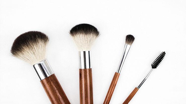 Выбрать кисть для макияжа
