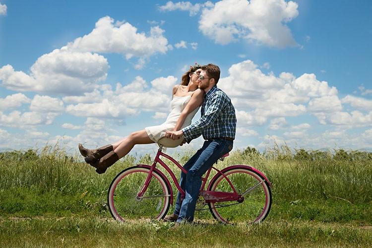 Как освежить паре свои отношения и вновь почувствовать себя молодыми?